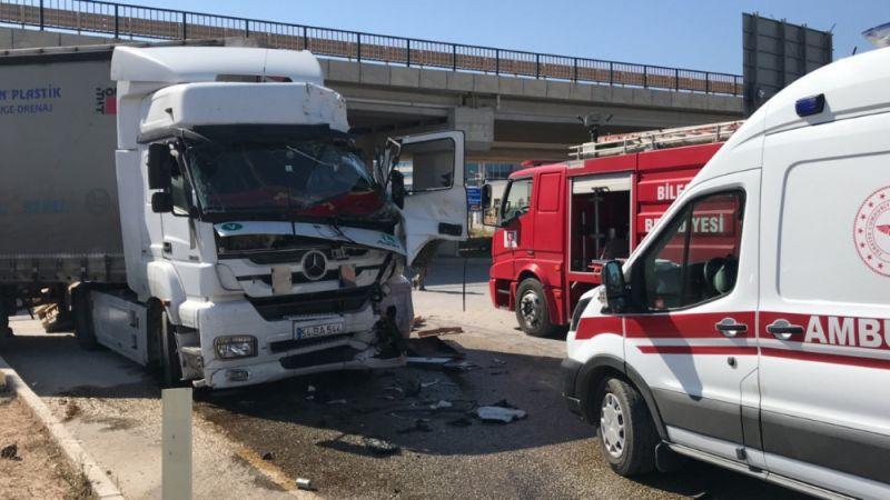 Bilecik'te 54 plakalı tır kaza yaptı: 2 yaralı