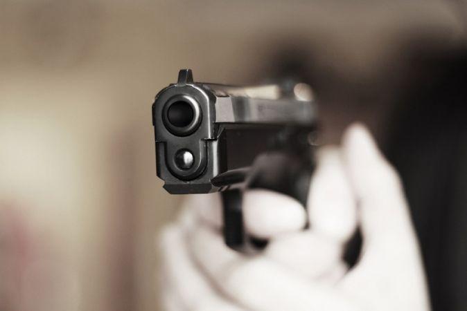 Taraklı'da silahlı kavga: Kardeşini ve yeğenini vurdu