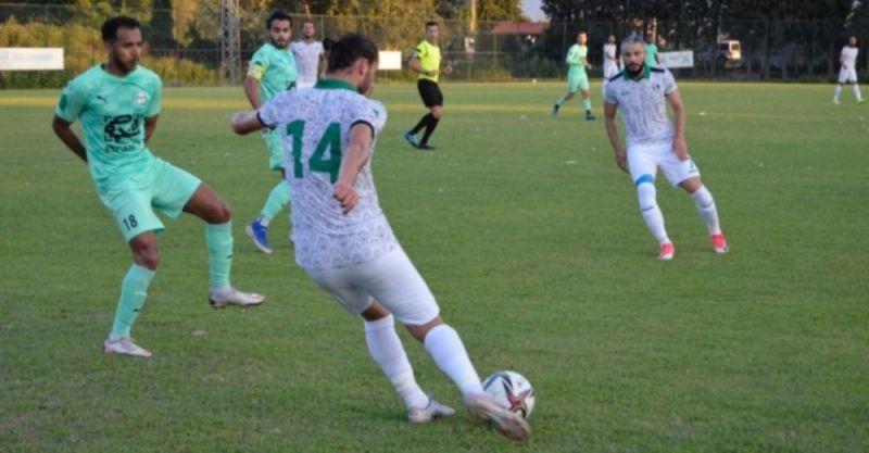 Sakaryaspor hazırlık maçında Kırklarelispor'la 1-1 berabere kaldı