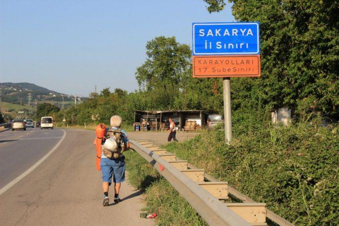 İstanbul'dan Fethiye hem spor hem de tatil için yürüyen gezgin Sakarya'ya ulaştı