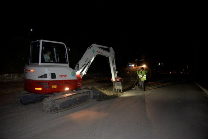 Hendek'te alt yapısı biten sokaklarda asfalt ve kaldırım çalışması