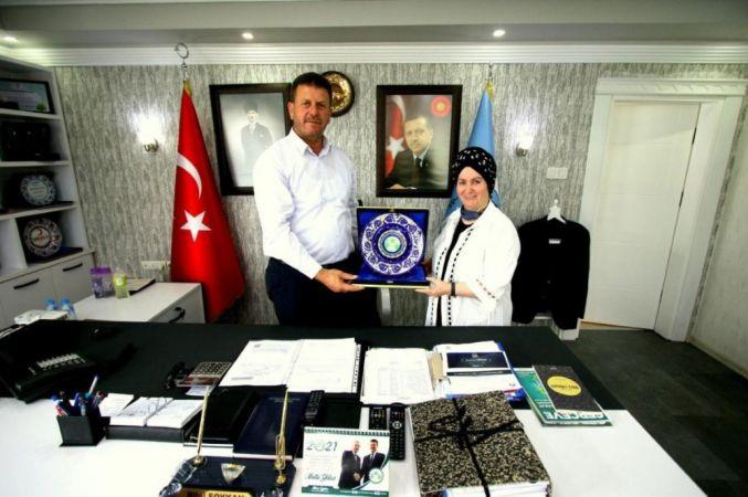 """Başkan Soykan'a """"Yılın Şefkat İnsani Plaketi"""" verildi"""