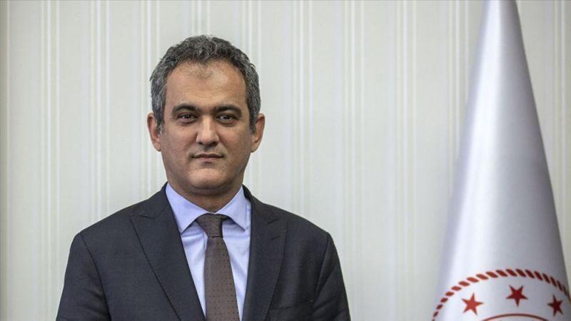 Bakan Özer: Önceliğimiz okulları açık tutmak