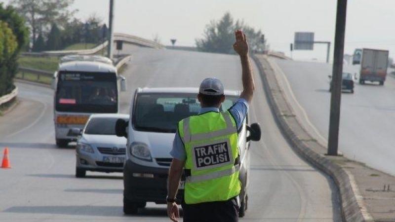 Trafik ekipleri sürücülere ceza yağdırdı