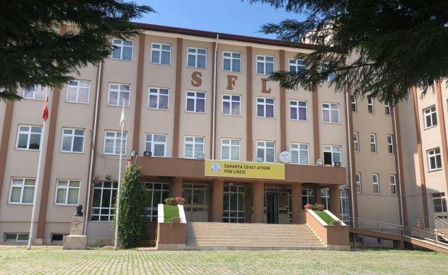 Cevat Ayhan'da 3 sınıf karantina altına alındı