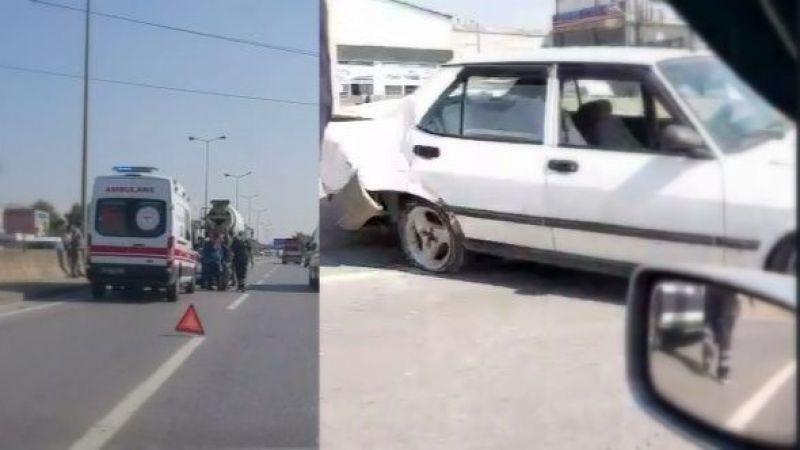 D-100'de beton mikseri otomobile çarptı