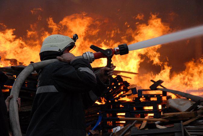 Tekeler mahallesinde yangın paniği