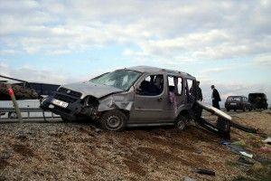 Trafik Kazası: 1' i Ağır 3 Yaralı