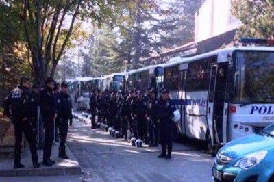 Hüseyin Çelik'i Protesto Eden Öğrencilere Gözaltı...