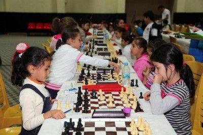 Satranç Turnuvası Başladı...