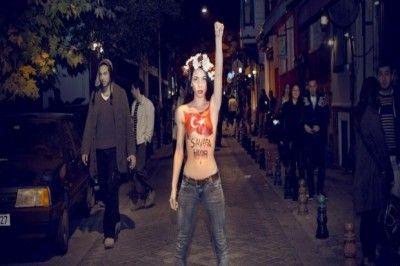 Femen'in 'soyunun' çağrısına ilk yanıt geldi