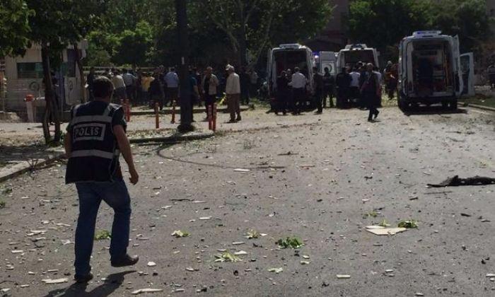 Gaziantep'te Saldırı Anında Çatışma Çıktı. Yollar Kapatıldı.