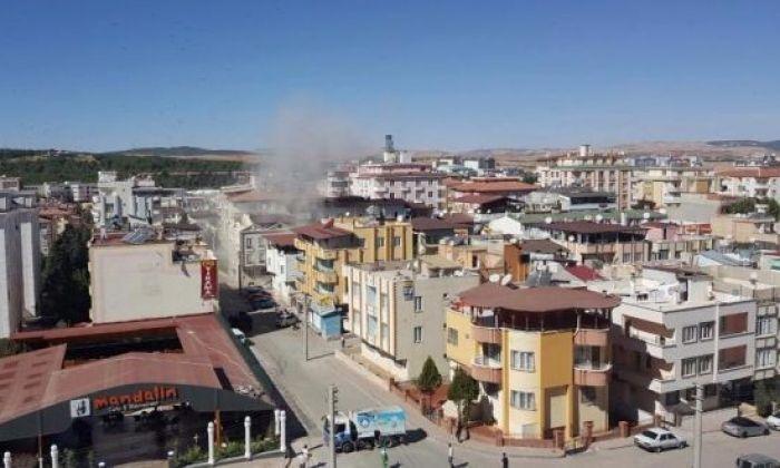 Gaziantep'te Canlı Bomba Kendini Patlattı. Çatışma Sürüyor