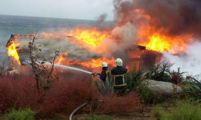 Ağaoğlu'nun Villasının Yakılmasını Kim Üstlendi