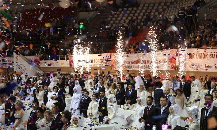 Gaziantep'te 300 Çift Dünya Evine Girdi