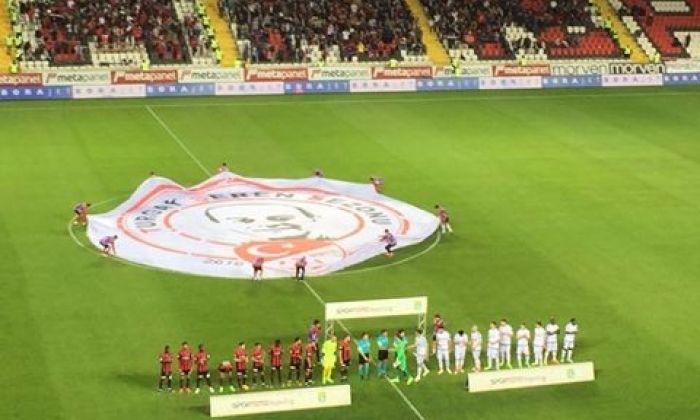"""Gaziantepspor-Karabük Maçında """" Kızıl rezalet """""""