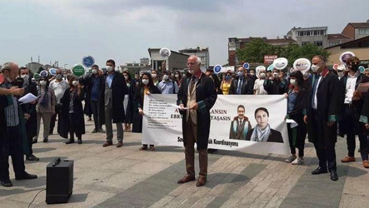 ÇHD üyesi avukatlar Ebru Timtik ve Aytaç Ünsal için eylem