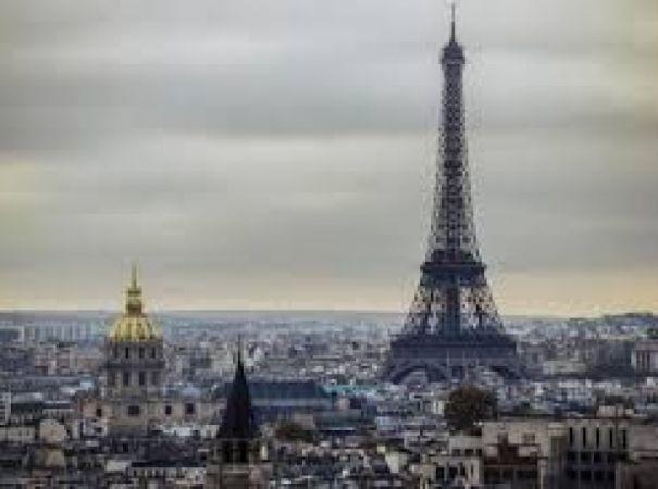 Paris'e Sosyalist Damgası...