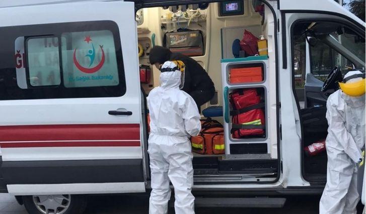 Koronavirüs testine gitmek istemeyen genç kız, kendisini odasına kilitledi