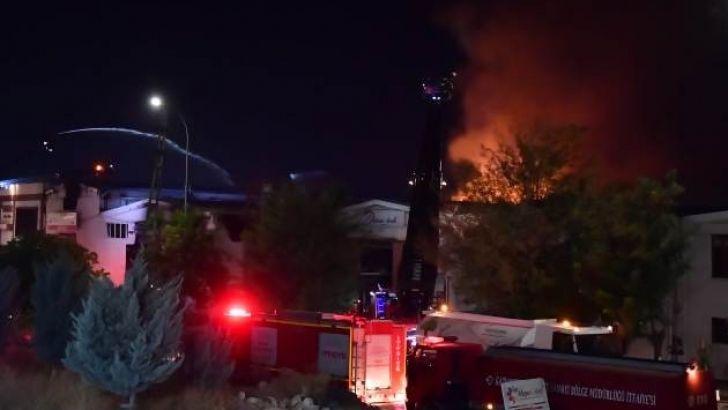 Patlama Sesleri Geldi. Gaziantep'te Korkutan Yangın
